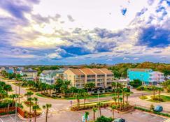 Holiday Inn Oceanfront at Surfside Beach, an IHG Hotel - Surfside Beach - Bâtiment