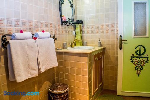 里佩蒂特里亞德酒店 - 歐瓦爾札札特 - 瓦爾扎扎特 - 浴室