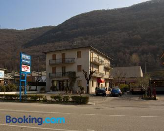 Hotel Marchesini - Греццана - Building