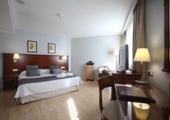 Golden Tulip Andorra Fenix Hotel - Les Escaldes - Bedroom