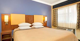 Days Inn by Wyndham San Francisco - Lombard - San Francisco - Bedroom