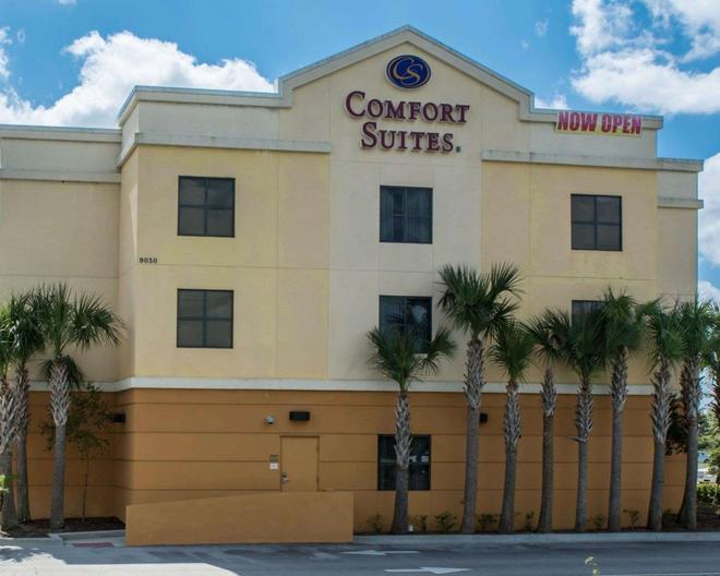 Comfort Suites Vero Beach I-95 - Vero Beach - Rakennus