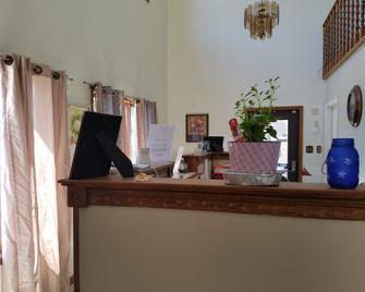 Diplomat Motel - Oakland City - Recepción