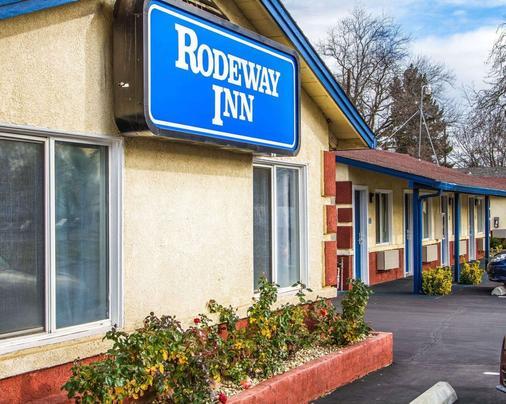 Rodeway Inn - Chico - Building