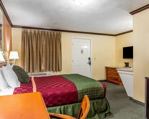 Rodeway Inn - Chico - Bedroom