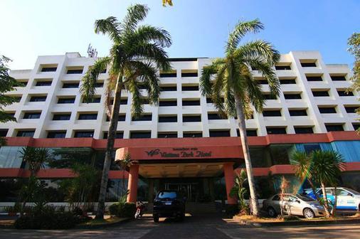 Wattana Park Hotel - Trang - Rakennus