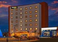 City Express Junior Aguascalientes Centro - Aguascalientes - Building