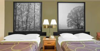 Super 8 by Wyndham Roanoke VA - Roanoke - Bedroom