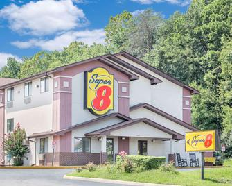 Super 8 by Wyndham Roanoke VA - Roanoke - Bina