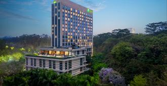 Holiday Inn Guangzhou Science City - Guangzhou - Byggnad