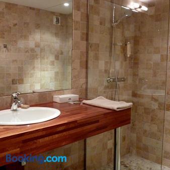 Hôtel de l'Amphithéâtre - Arles - Bathroom