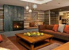 Teton Mountain Lodge and Spa, a Noble House Resort - Teton Village - Living room