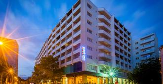 Park Inn by Radisson Bucharest Hotel and Residence - Bucarest - Edificio