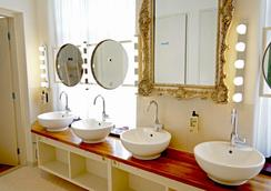De Bedstee Boutique Capsules - Amsterdam - Bathroom