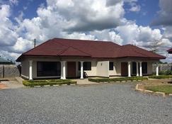 Mwaiseni Maisonettes - Ndola - Building
