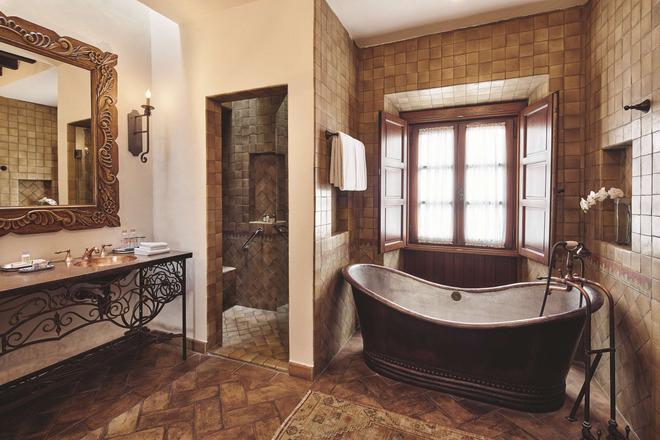 貝爾蒙德卡薩代內華達酒店 - 聖米蓋爾德 – 阿言德 - 聖米格爾阿連德 - 浴室