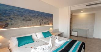 Hotel Fenix - S'Arenal - Κρεβατοκάμαρα