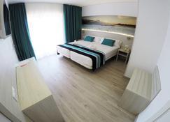 Hotel Fenix - S'Arenal - Schlafzimmer