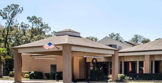Quality Inn & Suites Pensacola Bayview - פנסאקולה