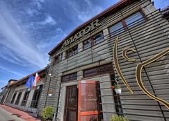 Aviator Hotel Wellness & Spa - Masłów - Building
