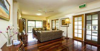 True North Bed & Breakfast - Magnetic Island - Living room