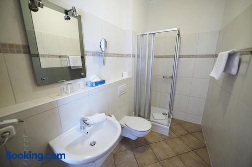 Hotel Garni Wurster Kroog - Bremerhaven - Bathroom