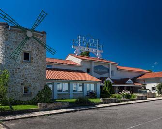 Le Moulin des Gardelles - Риом - Здание