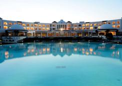 Golden Tulip Taj Sultan Resort - Hammamet - Pool