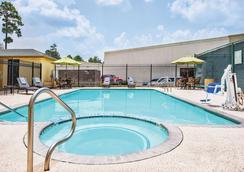 La Quinta Inn & Suites by Wyndham Houston North-Spring - Spring - Pool