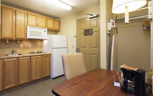 Intown Suites Fort Myers - Fort Myers - Κουζίνα