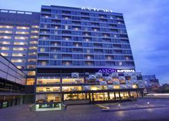 Aston Imperial Bekasi Hotel And Conference Center - Bekasi - Κτίριο