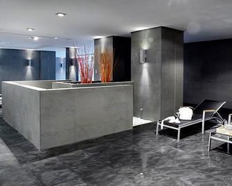 Hotel Primus Valencia - Valencia - Front desk