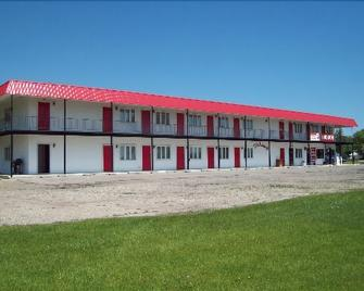 Chateau Motel - Red Lake Falls - Building