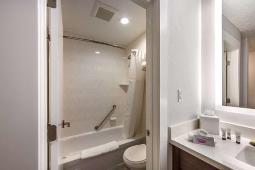 Red Lion Inn & Suites Grants Pass - Grants Pass - Phòng tắm