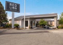 Red Lion Inn & Suites Grants Pass - Grants Pass - Building