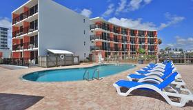 Cove Motel Oceanfront - Daytona Beach - Πισίνα