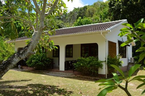 Villa Chez Batista - Takamaka - Building