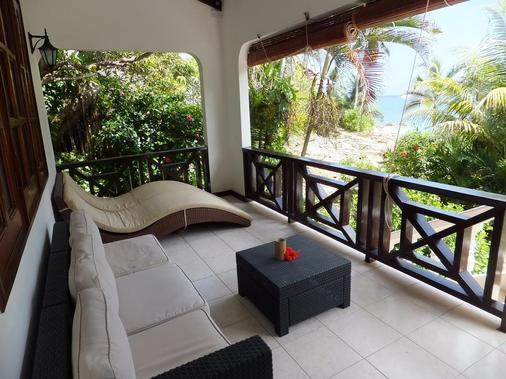 Villa Chez Batista - Takamaka - Balcony