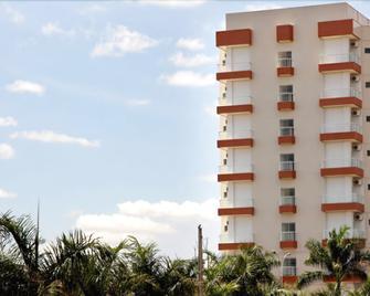 Tiffany Hotel - Olimpia - Building