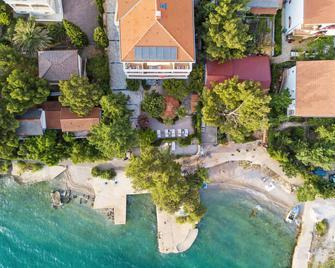 Villa Vicko - Стариград