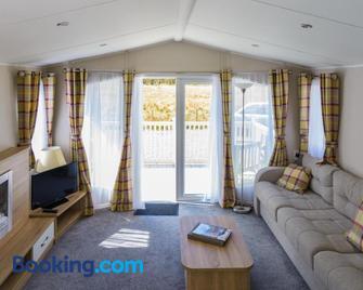 Glencoe Cabins And Caravans - Ballachulish - Wohnzimmer