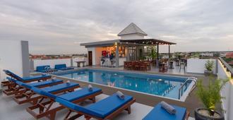 Angkor City View Hotel - סיאם ריפ - בריכה