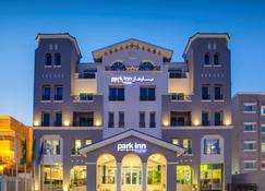 Park Inn by Radisson Dammam - Dammam - Building