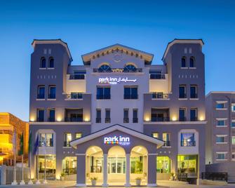 Park Inn by Radisson Dammam - Dammam - Building