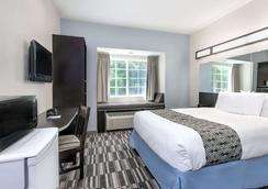 Microtel Inn & Suites by Wyndham Hoover/Birmingham - Hoover - Bedroom