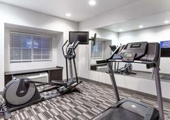 Microtel Inn & Suites by Wyndham Hoover/Birmingham - Hoover - Gym