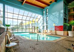 MCM Grande Hotel Fundome Odessa - Odessa - Pool
