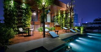Silverland Yen Hotel - Ho Chi Minh City - Pool