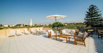 Roxani Hotel - Heraklion - Patio