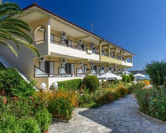 Sun Rise Hotel - Ammouliani - Gebäude